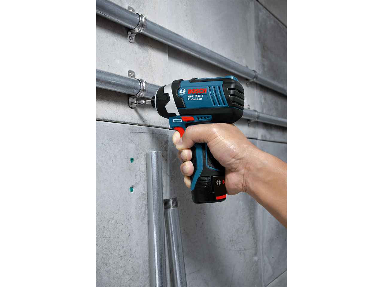 bosch gdr108li cordless impact driver 2 x 2 0ah l boxx. Black Bedroom Furniture Sets. Home Design Ideas