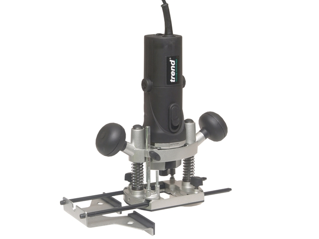 """TREND T4ELK VARIABLE SPEED 1//4/"""" PLUNGE ROUTER 110V IN CASE WITH 12 PC CUTTER SET"""